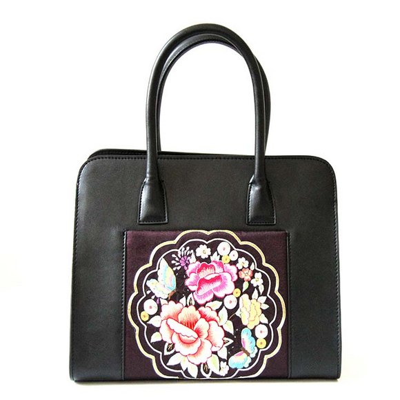 Ladies' handbag with embroidery design